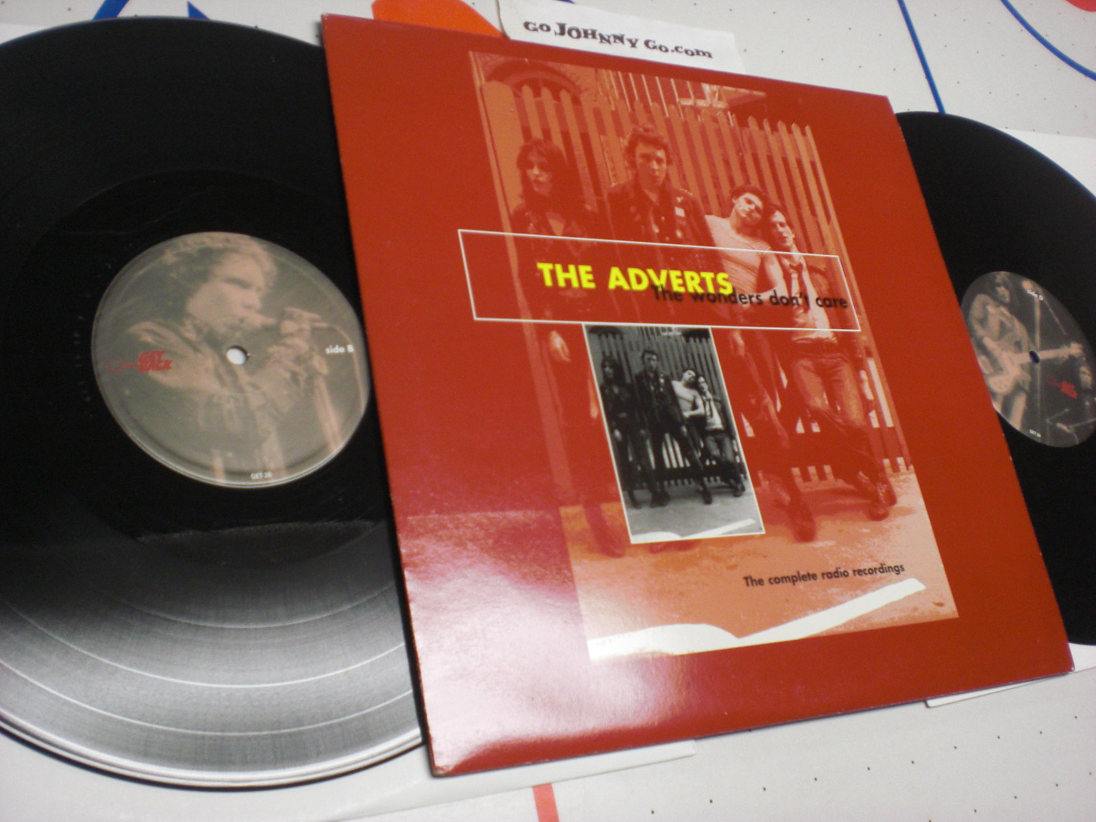 ADVERTS - The Wonders Don't Care - 33T x 2